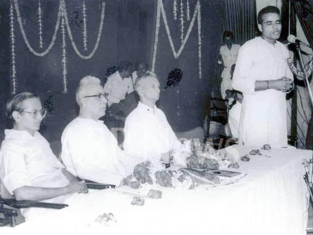 Clean-Shaved-Modi-speech-with-Devras-99