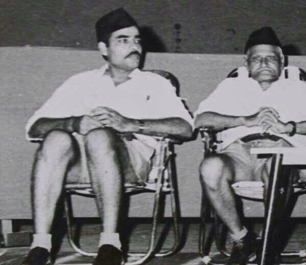 narendra-modi-rss-young-photo